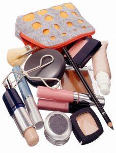 Productos de maquillaje básicos para principiantes